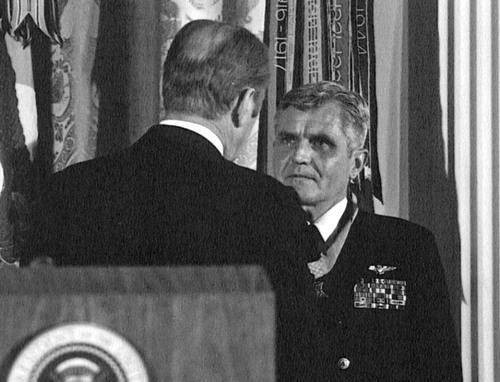 James Stockdale Gets Medal of Honor